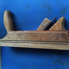 Rindea veche din lemn