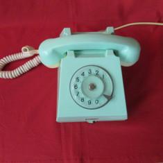 Telefon vechi din perioada comunista, telefon cu disc comunist - culoare aparte